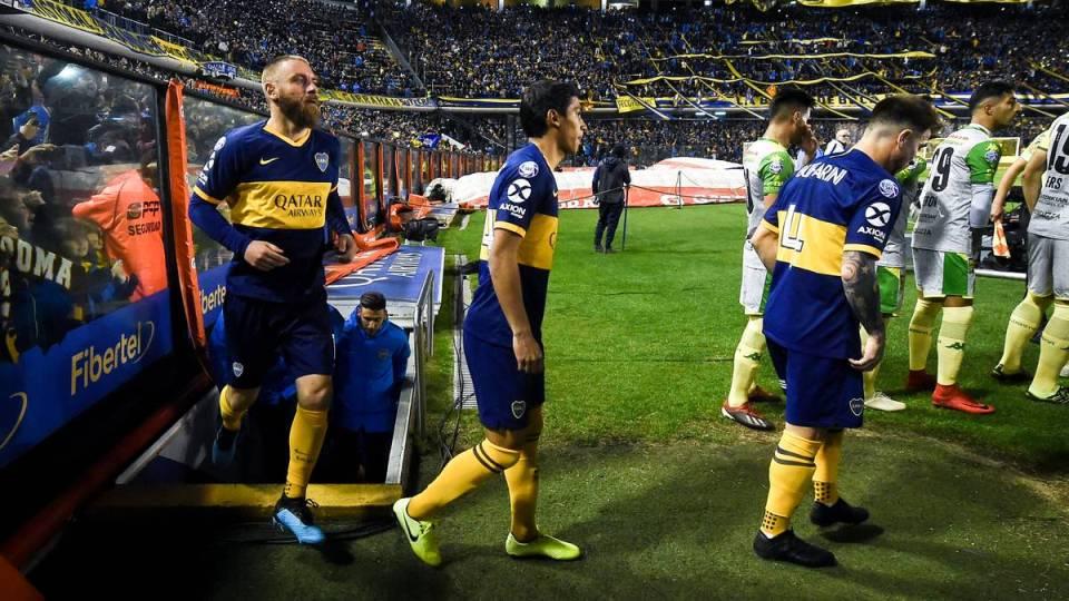 COVID-19 godet gjigantin argjentinas, 18 futbollistë të infektuar