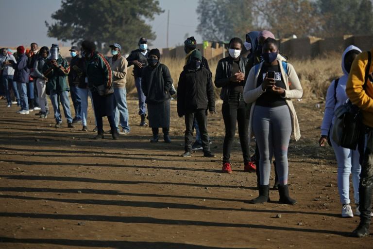 Afrika e Jugut lehtëson kufizimet, pritet të hapë kufijtë në tetor