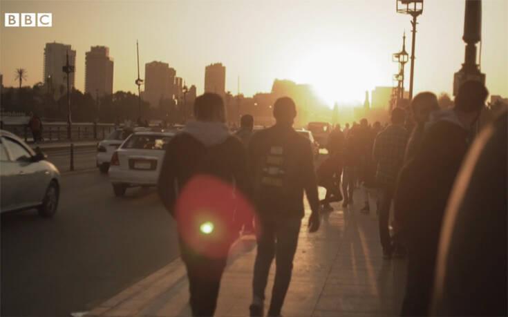 """VIDEO/ Refugjatët shesin veshkat në tregun e zi për të gjetur """"rrugën"""" drejt shpëtimit"""