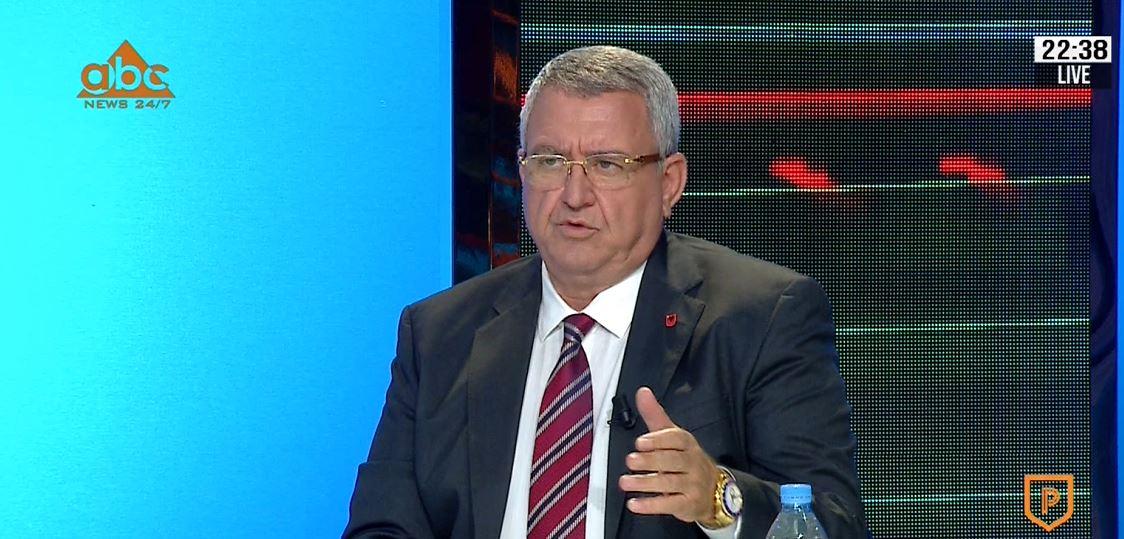 """""""Shqipërisë iu duhen 500 fusha! Ngacmimet e Gjicit? Ai është president nderi"""""""