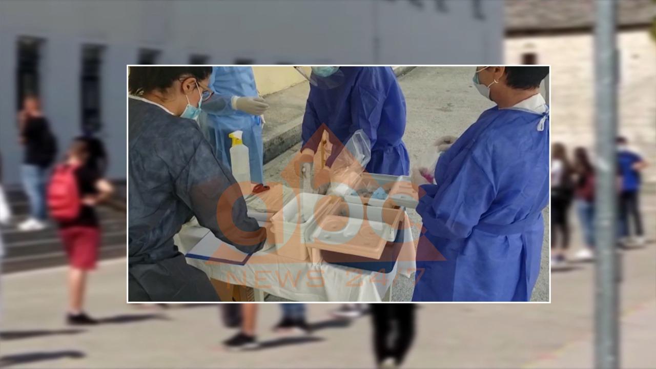 Nëndrejtori, 3 mësues në Përmet dhe 4 në Korçë infektohen me COVID-19