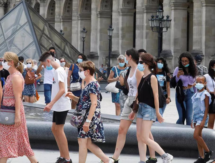 Rekord të infektuarish në Francë, 13,215 raste me Covid-19 në 24 orë