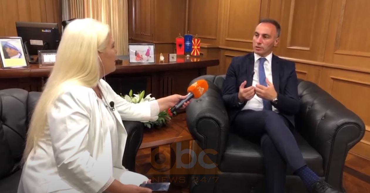 """Zv/kryeministri i RMV flet për """"ABC News"""": Dialogu mes Prishtinës dhe Beogradit, i mirëpritur"""