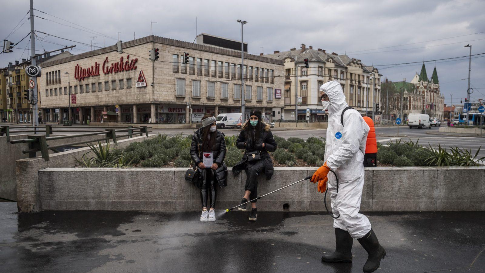 Vala e dytë te pragu i derës, Hungaria mbyll sërish kufijtë