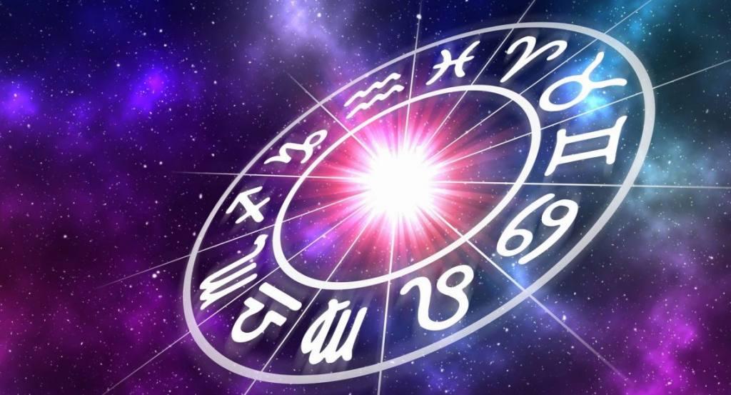 Ditë e shkëlqyer për dashurinë, çfarë parashikojnë yjet për sot