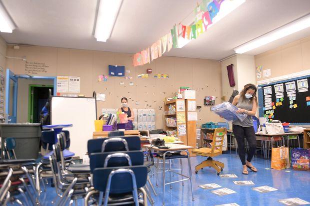 Covid-19, New York shtyn hapjen e shkollave