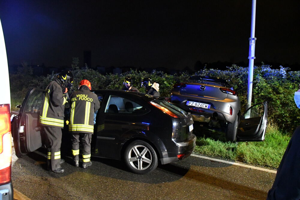 """FOTO/ Përplasen """"kokë më kokë"""" makinat, 26-vjeçari shqiptar humb jetën por jo nga aksidenti"""