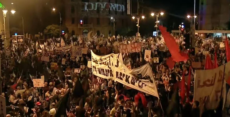 VIDEO/ Izraelitet në protestë, bllokojnë aeroportin për të ndaluar Netanyahun të shkojë në SHBA
