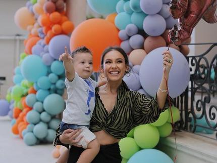 Në 2-vjetorin e të birit, Jona Spahiu jep mesazhin motivues për të gjitha vajzat dhe gratë
