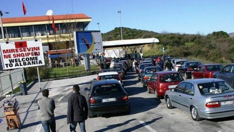 Dy persona me Covid-19 tentojnë të kalojnë kufirin në Kakavijë, gjobiten me 700 mijë lekë