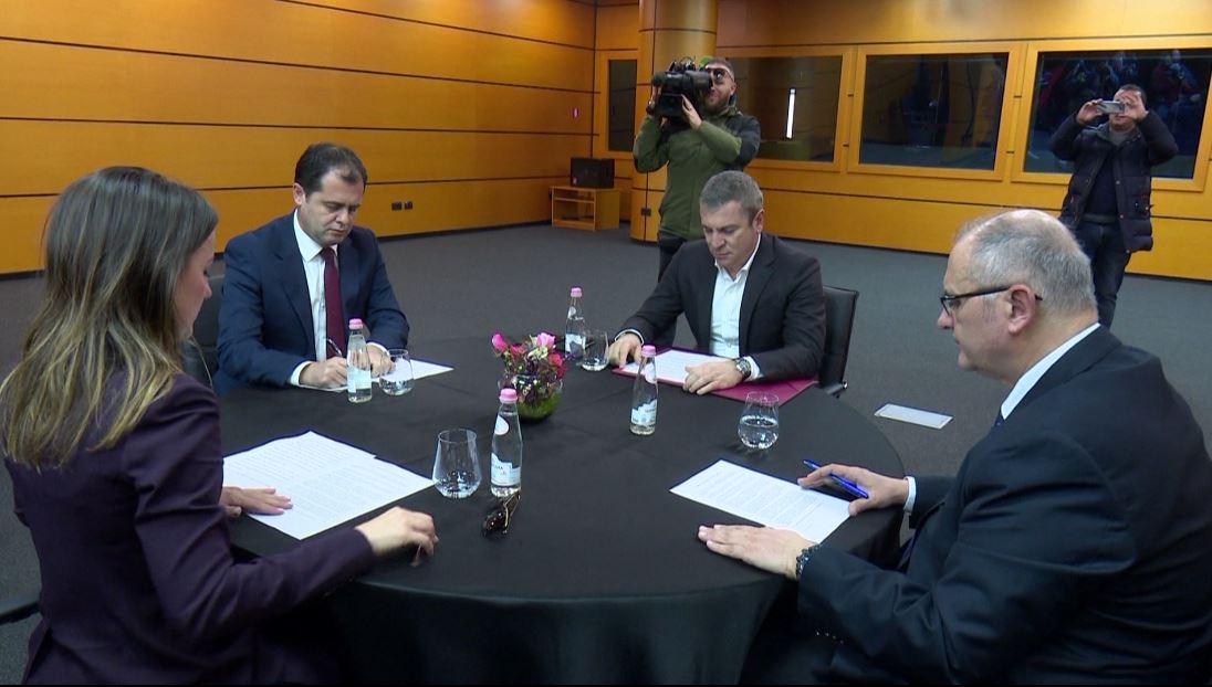 Meta ktheu listat e koalicionet, Hajdari thirrje Këshillit Politik: Ejani të mblidhemi të martën