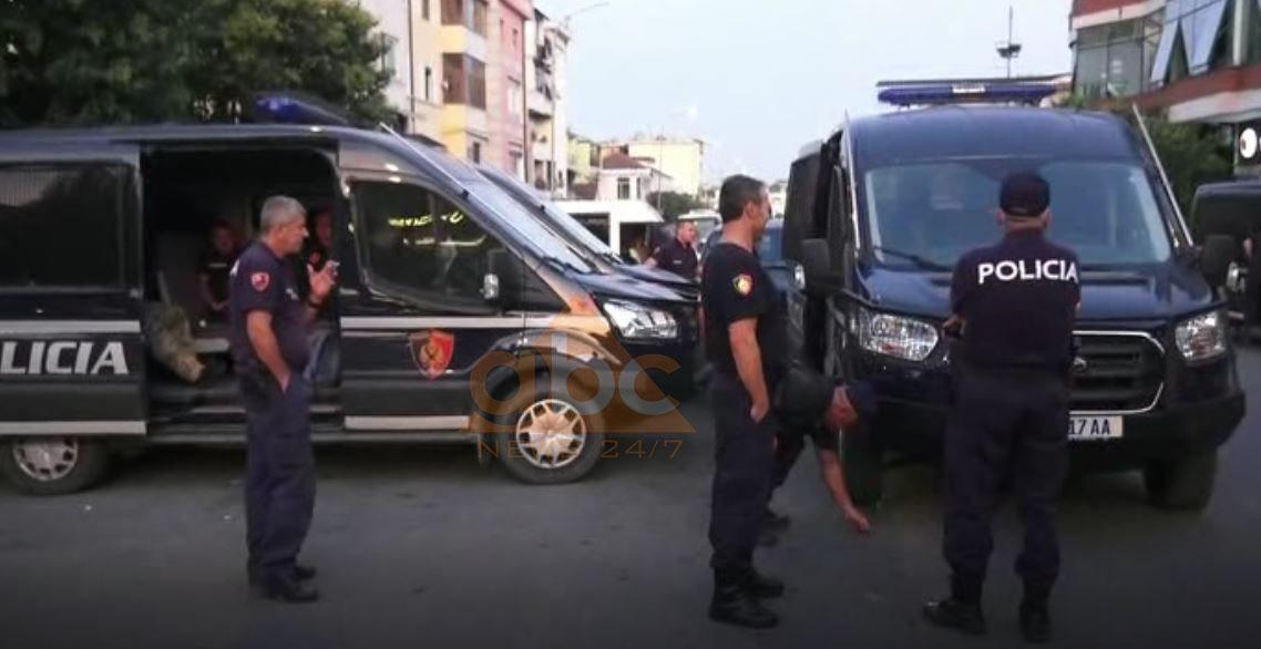 """Aksion i papritur, forca policie dhe RENEA """"blindojnë"""" Krujën"""