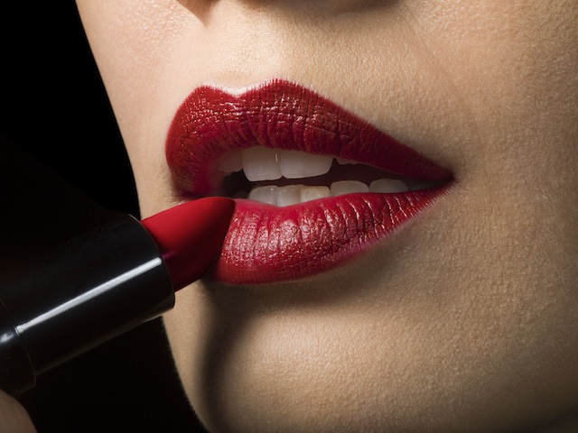 Buzëkuqi i kuq: Hapat si ta aplikoni siç duhet