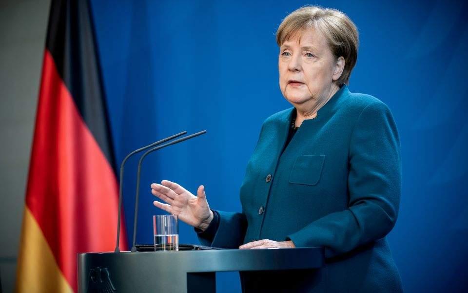 Protestat kundër masave anti-covid, Merkel: Edhe unë kam vështirësi, por janë të domosdoshme