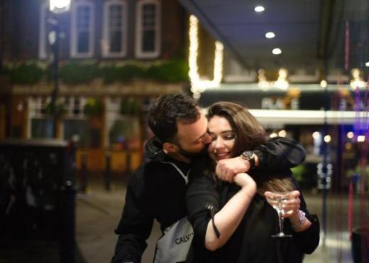 """FOTO/ Një vit e martuar, Jonida Vokshi e kujton me të qeshura momentin kur tha """"po"""""""