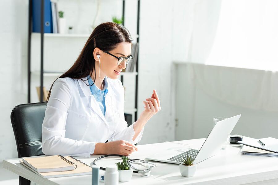 Pandemia nxit mjekësinë në distancë, në 7 muaj 1 % e konsultave u kryen online
