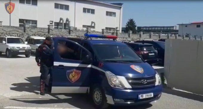 Sherr në Shkodër, 50-vjeçari dhunon fqinjen dhe më pas e fut nën rrotat e makinës dhe i thyen këmbët: Donte të më vriste