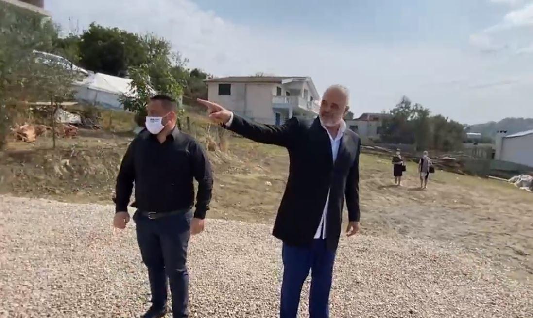 """""""Unë jam bojaxhi"""", Rama kritikon ndërtuesin e banesës në Shijak"""