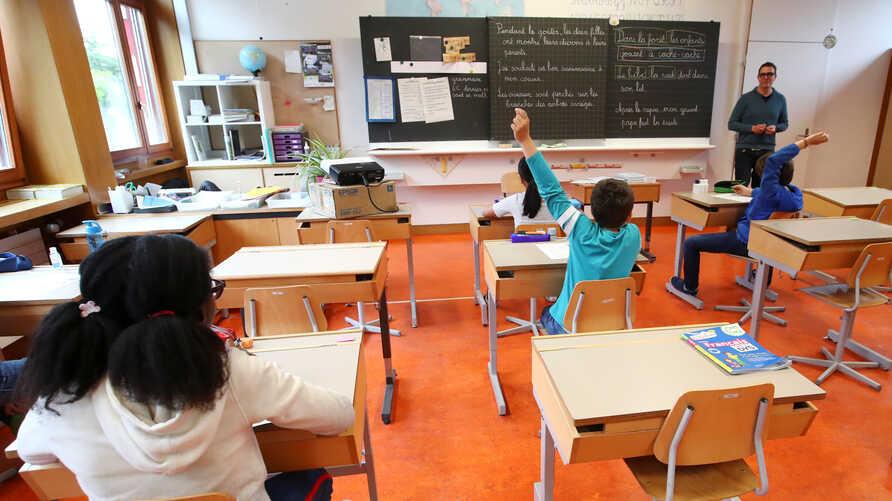 Presidentja e Madridit: Ka të ngjarë që të gjithë nxënësit që kthehen në shkolla të infektohen