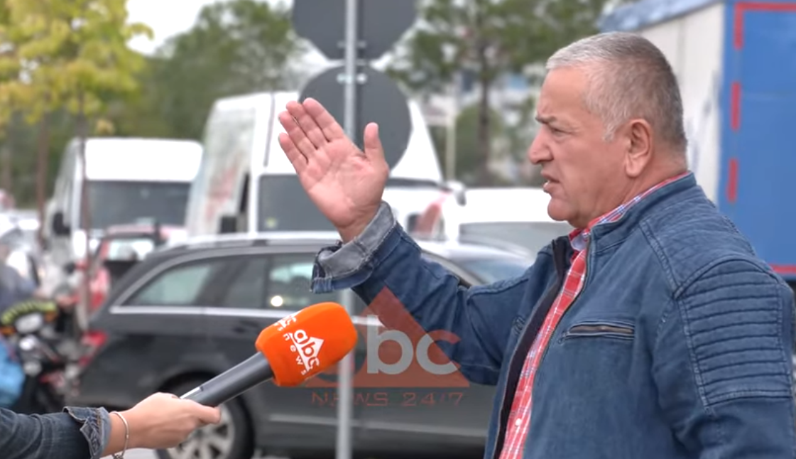 Sinjalistika e gabuar dhe tabelat e modifikuara, problemet e drejtuesve të automjeteve në Tiranë