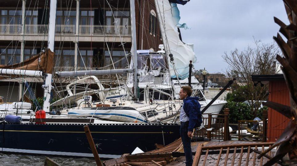 """VIDEO/ SHBA: Uragani Sally """"godet"""" pa mëshirë shtetin e Floridas"""