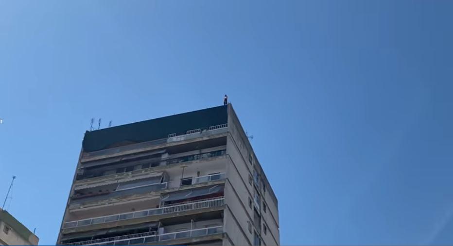 Shqiptari tentoi të hidhej nga pallati në Selanik, reagon konsullata: Po ndjekim situatën