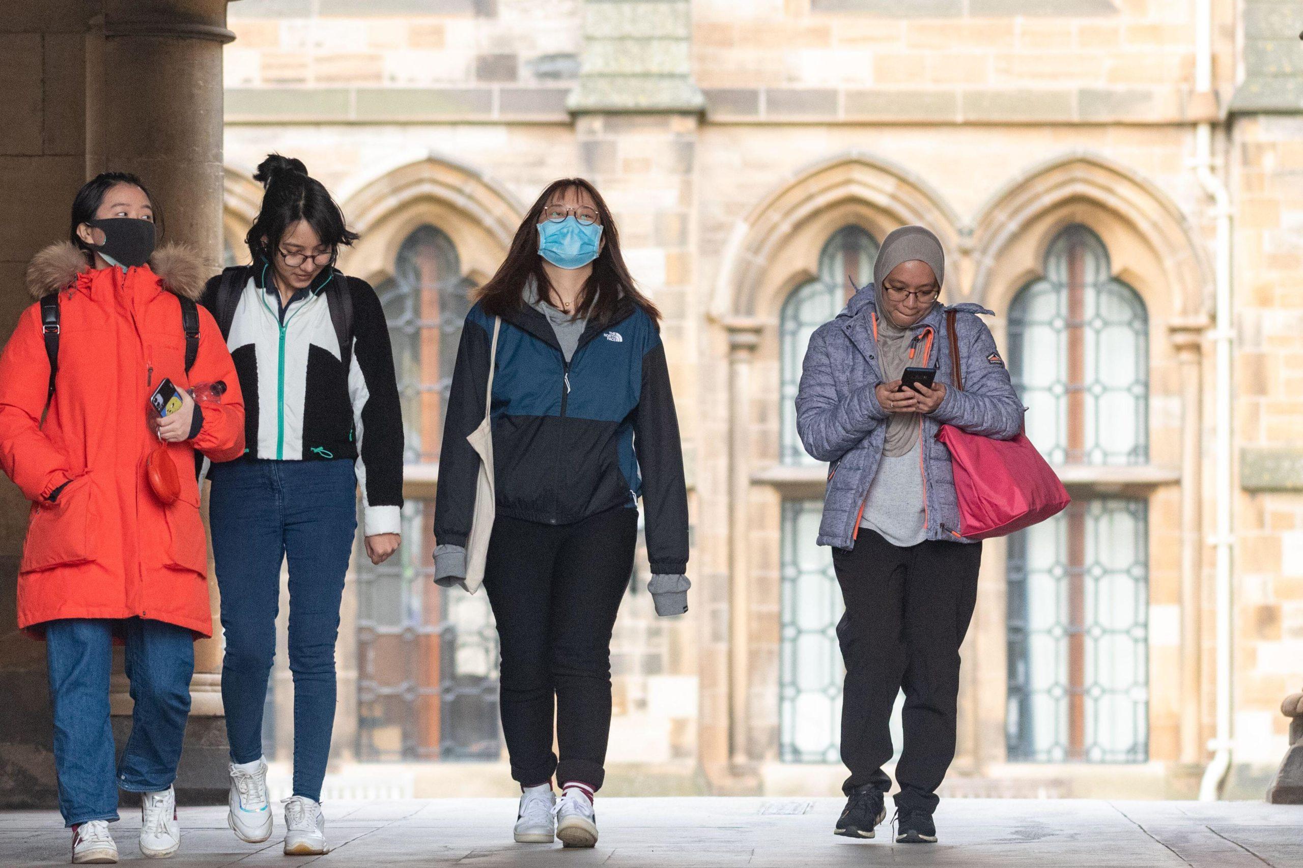 """Mijëra studentë """"të burgosur"""" në universitetet britanike dhe skoceze për shkak të koronavirus"""