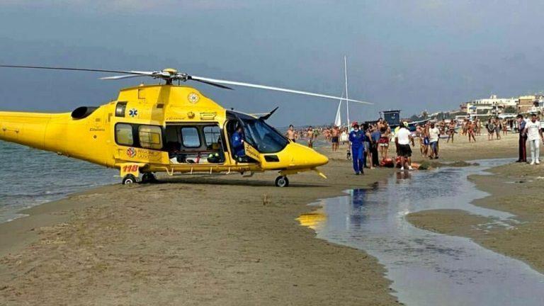 Identifikohet shqiptar që u qëllua me armë në mes të plazhit në Itali