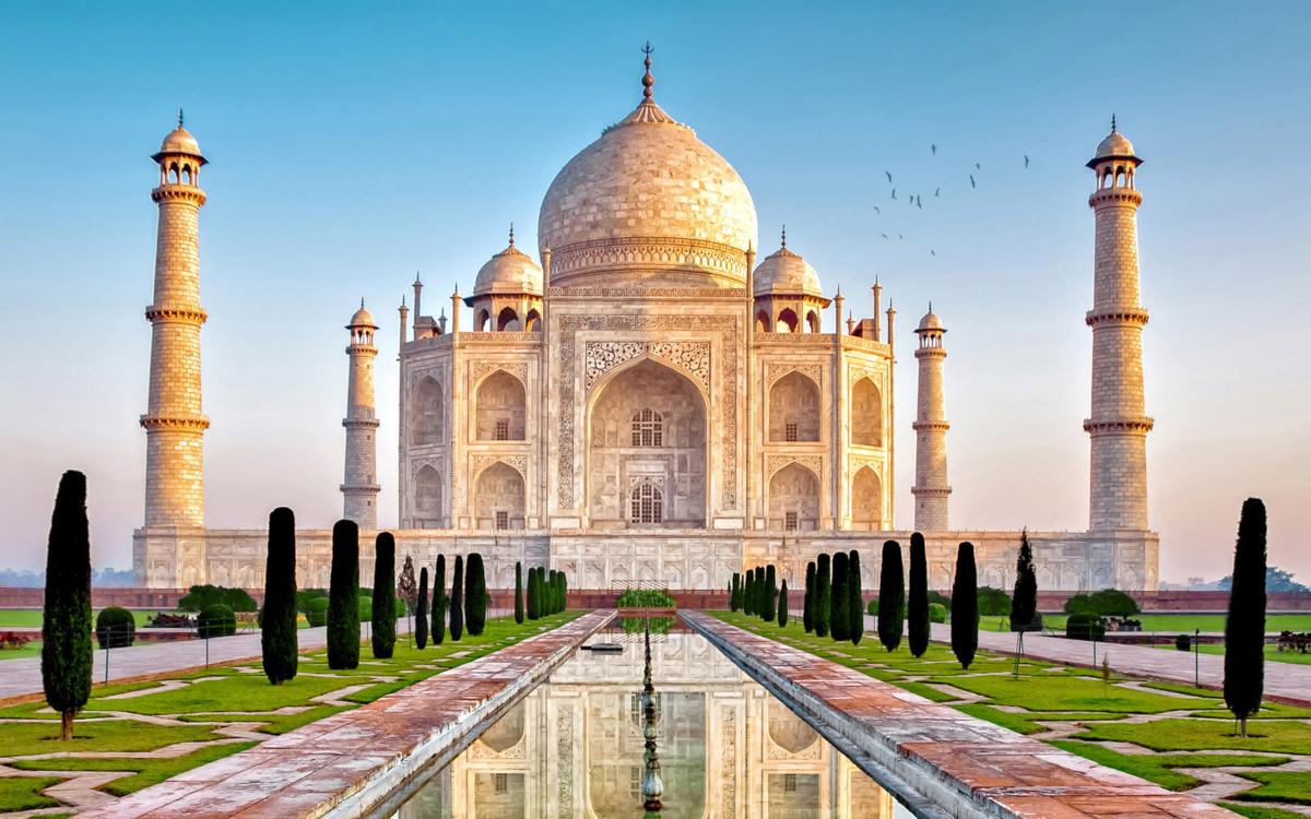 Pandemia, Taj Mahal hap sërish dyert për turistët pas 6 muajsh mbylljeje