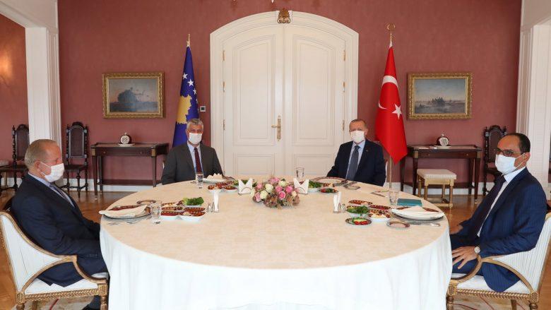 Thaçi takim me Erdogan në Stamboll: Do të fuqizojnë më tej partneritetin strategjik