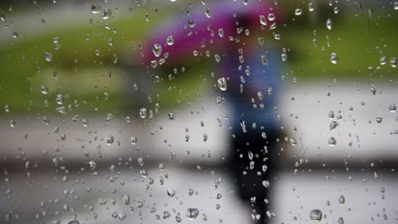 Vranësira dhe shira gjatë paradites, mësoni si do të ndryshojnë temperaturat
