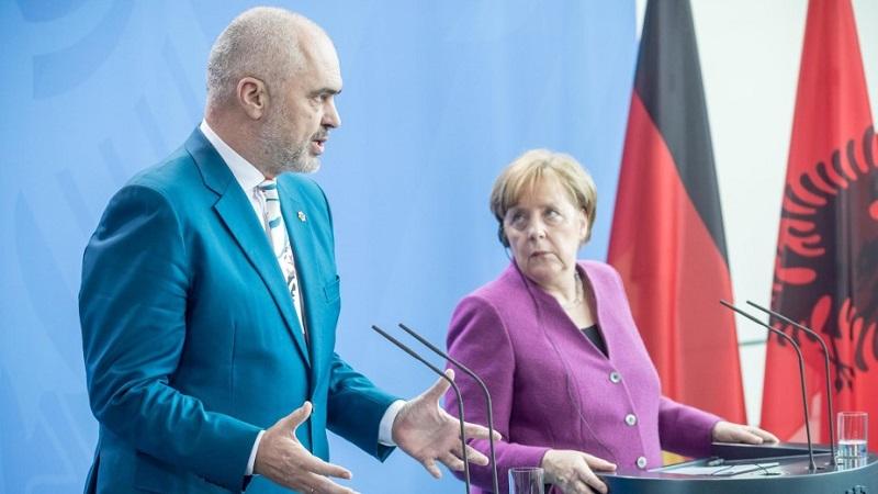 Edi Rama vizitë në Berlin, takon kancelaren gjermane Angela Merkel