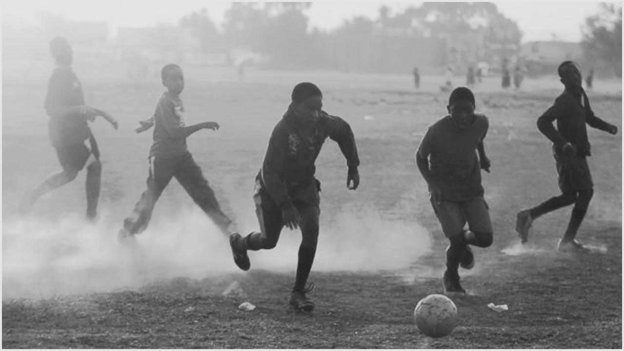 Makabritet në Afrikë: Gaboi në golin e pësuar, shokët e ekipit i marrin jetën