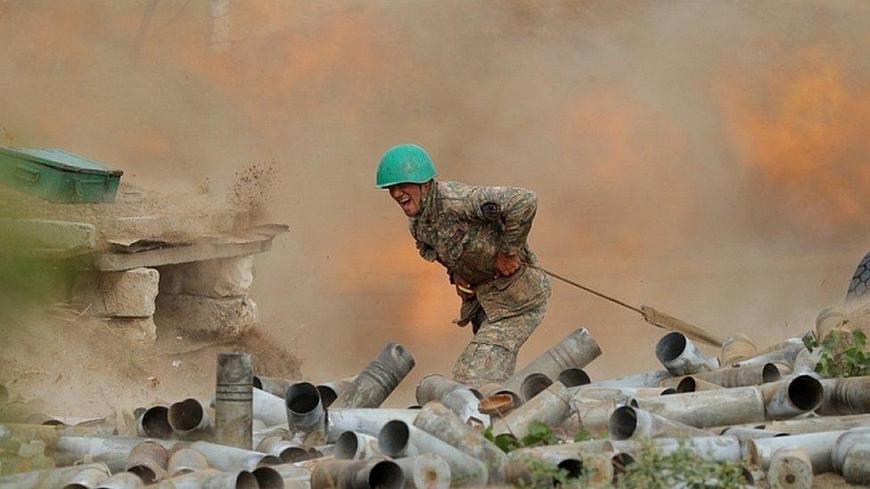 Ndërhyn Rusia, merr kthesë të papritur lufta Azerbajxhan-Armeni