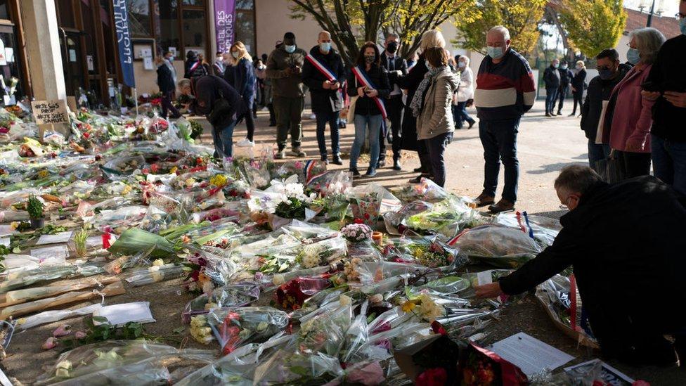 Vrasja e mësuesit francez : 15 të arrestuar, mes tyre 4 studentë