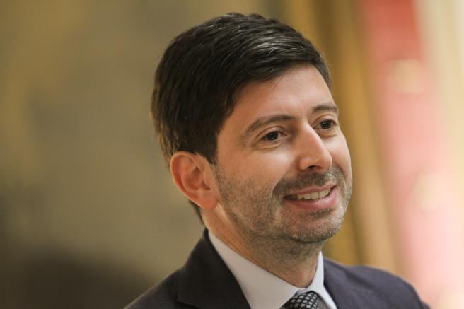 Ministri i Shëndetësisë: Italia po e përballon valën e dytë të Covid-19 më mirë se vendet e tjera