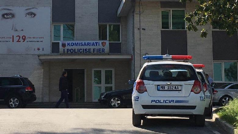 Dhunuan 19-vjeçarin, policia e Fierit shoqëron 5 adoleshentë