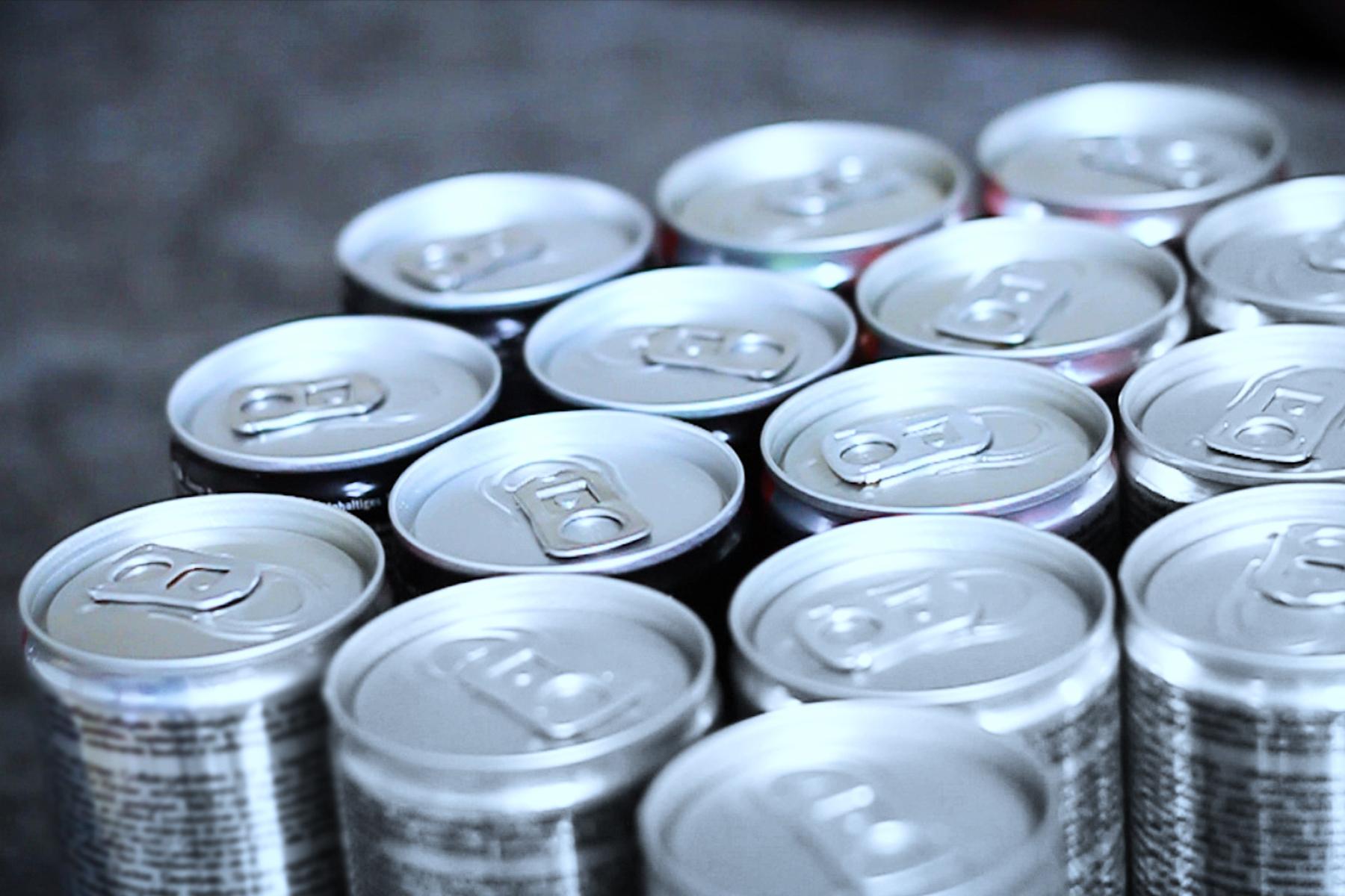 Çfarë ndodhë nëse pini një deri në tre pije energjike në ditë