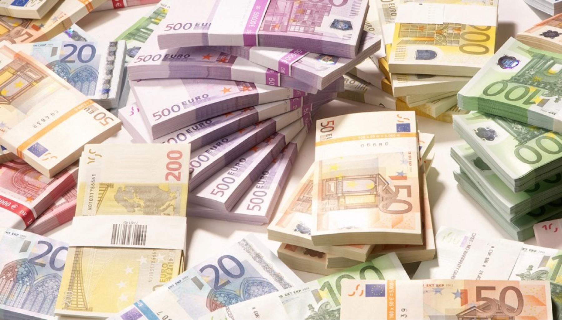 """""""Avulluan"""" 2 milionë euro nga thesari, policia e Kosovës nxjerr detajet"""