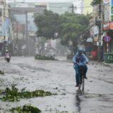 """Të paktën 25 të vdekur dhe shumë të tjerë rezultojnë të humbur pasi tajfuni """"Molave"""" goditi Vietnamin"""