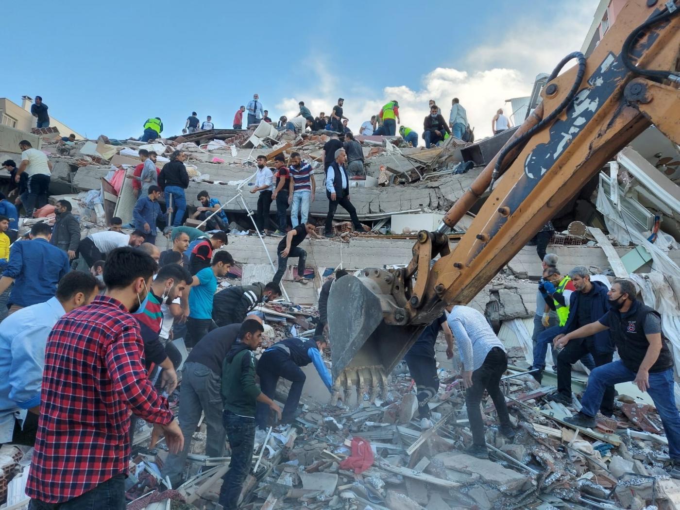 Tërmeti në Greqi: Mes viktimave 2 fëmijë, i zuri poshtë godina kur po ktheheshin nga shkolla
