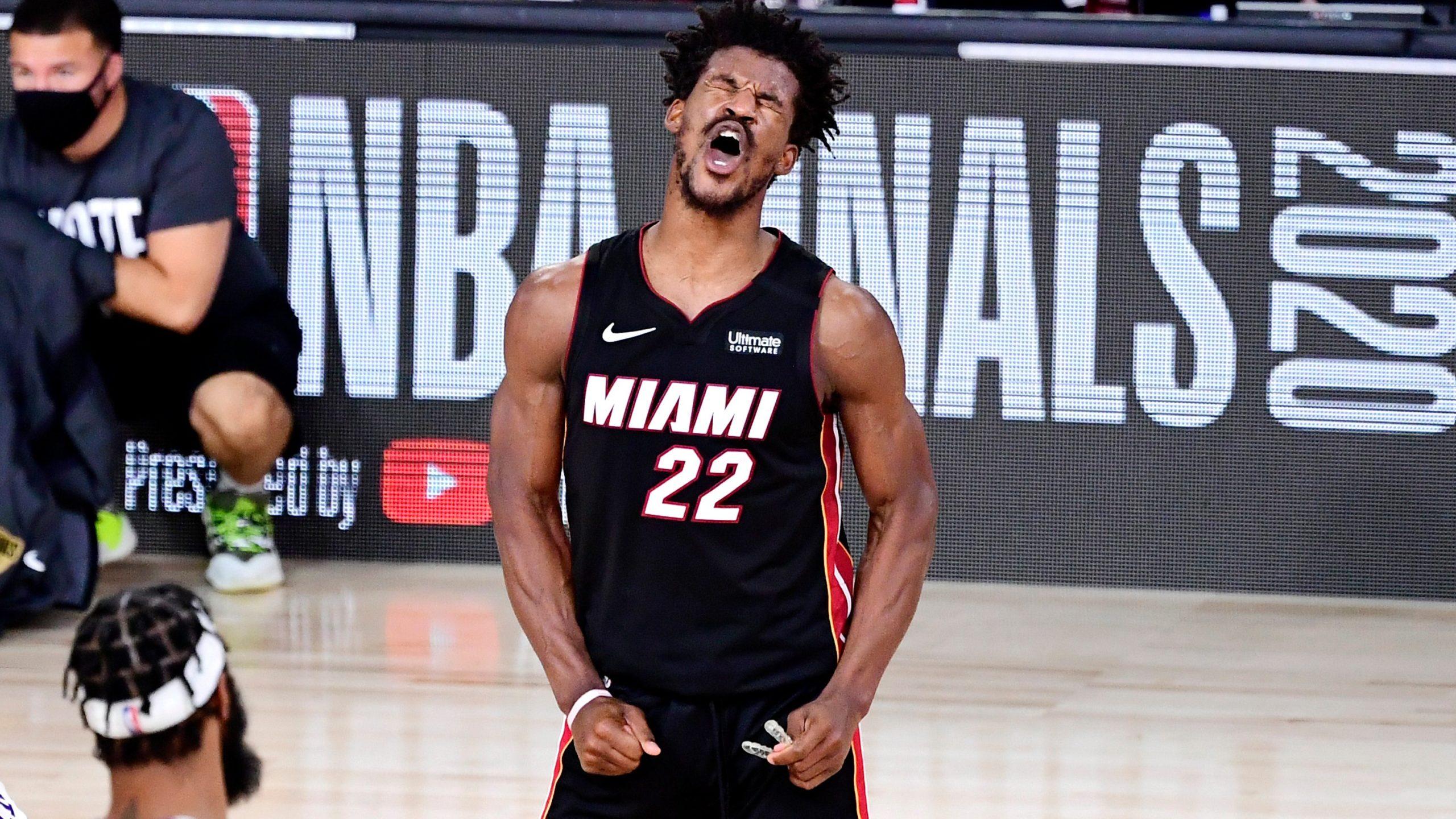 VIDEO/ Miami Heat shpreson, Jimmy Butler mund i vetëm LA Lakers