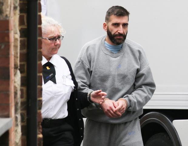 Masakroi me thikë të riun shqiptar në Angli, gjykata shpall fajtor italianin