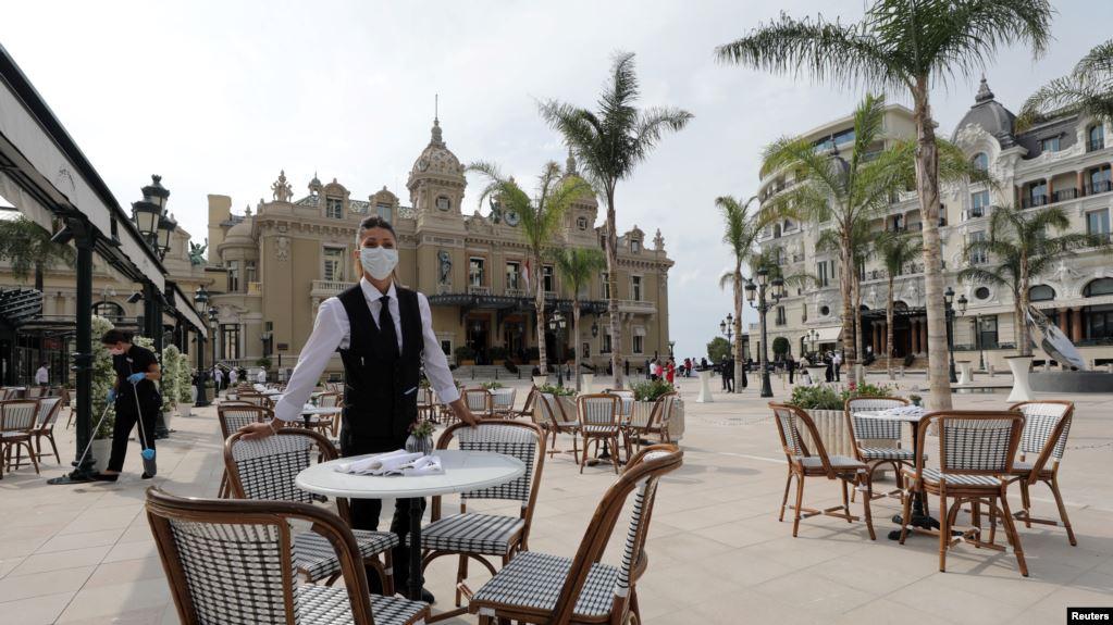 Paris, masa të reja më të rrepta ndaj restoranteve