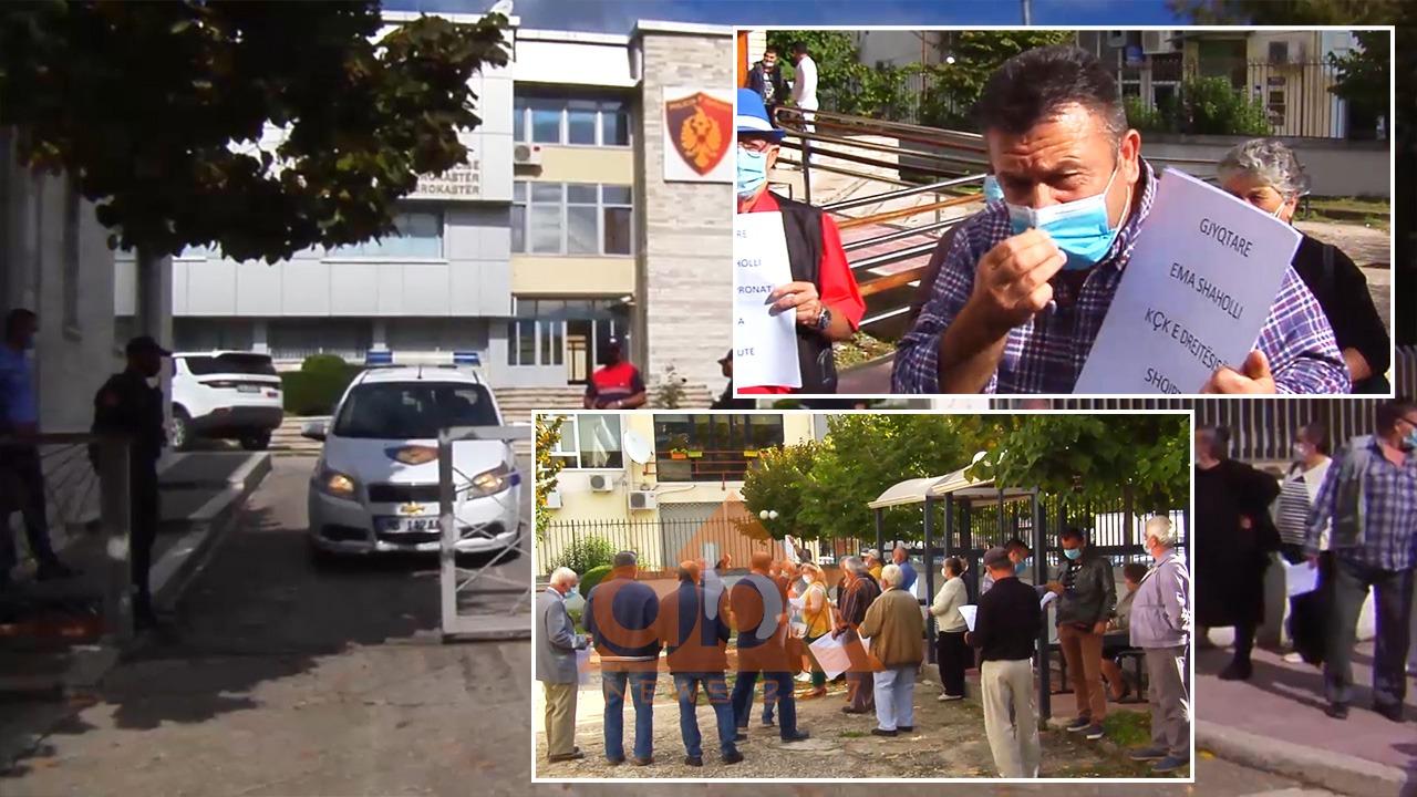 Banorët e Nivicës, protestë pranë Gjykatës Administrative për tokat e zaptuara në Kakome