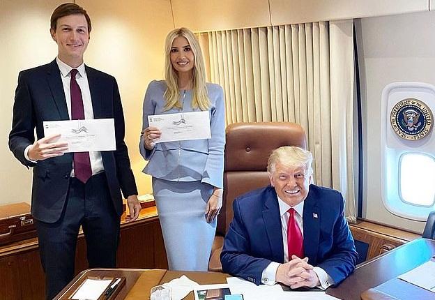 """Edhe pse Trump është """"kundër"""", Ivanka voton me anë të postës"""