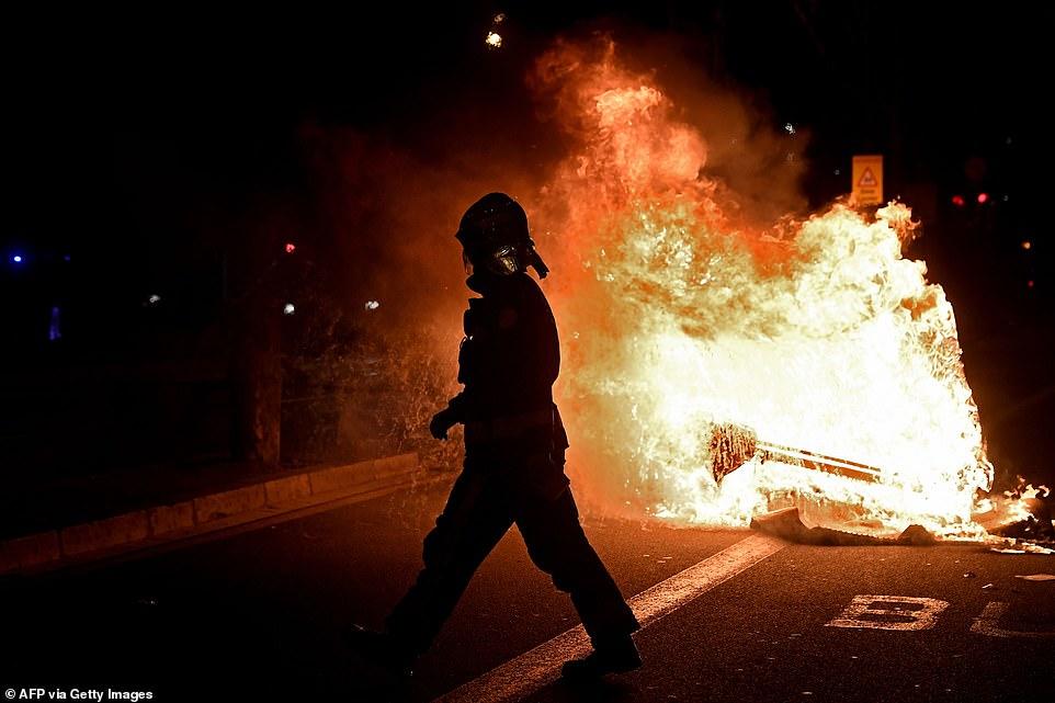 Qytetet e Evropës në flakë, protestuesit kundërshtojnë masat e reja kufizuese