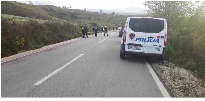 Me shpejtësi skëterrë pas grabitjes: Aksidentohen të rinjtë, njëri vdes