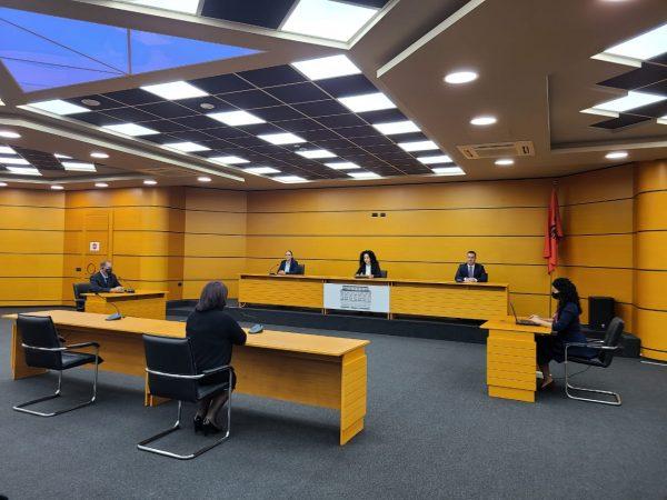 Konfirmohet në detyrë gjyqtarja që dënoi ish- ministrin Saimir Tahirin