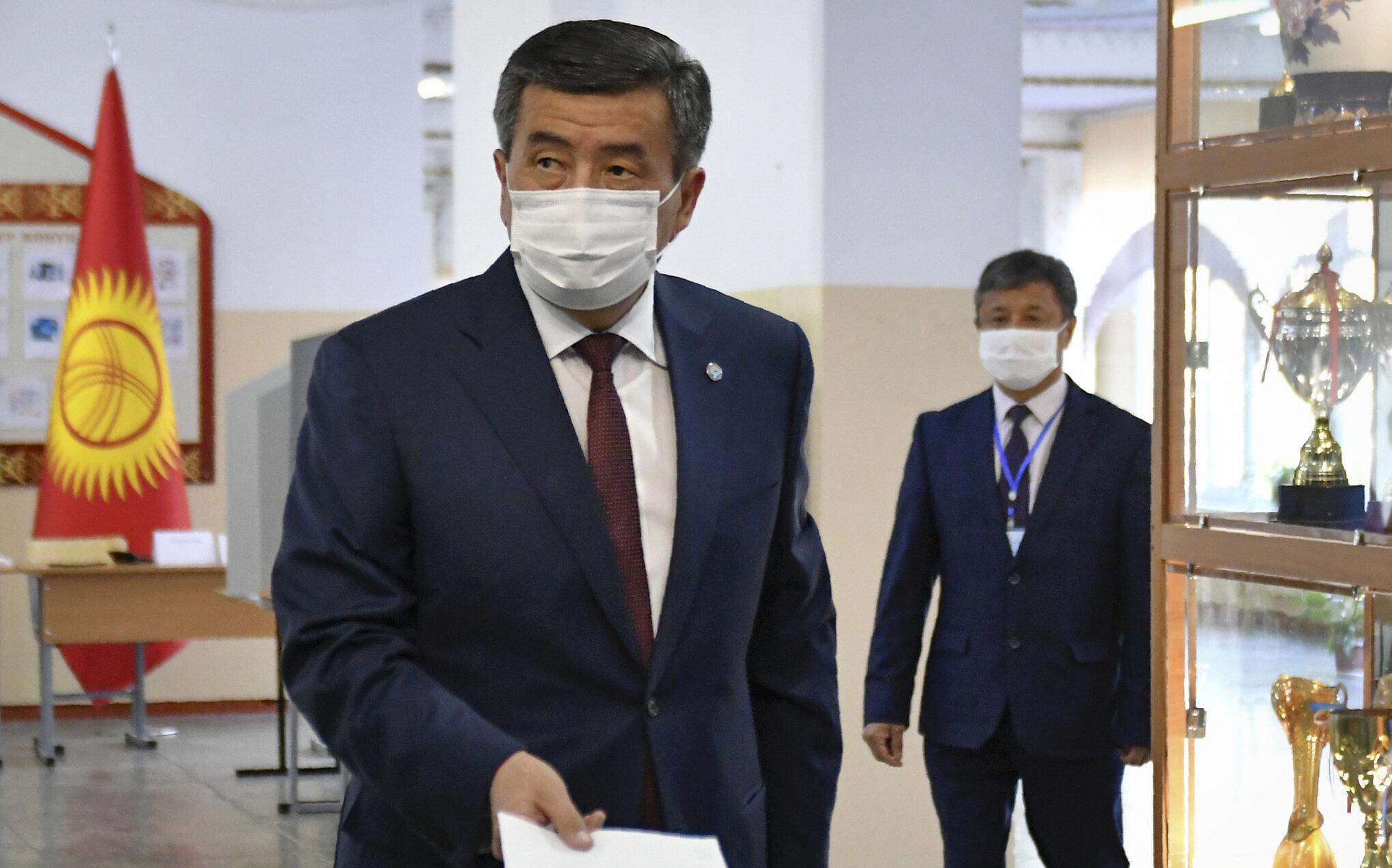 Trazira për zgjedhjet e përgjithshme, Presidenti i Kirgizisë jep dorëheqjen
